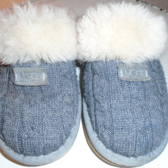 d504f4a4e0f UGG COZY KNIT SLIPPERS ~ 7 ~GRAY ~SHEEPSKIN LINIG